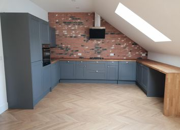 Thumbnail 3 bed flat to rent in Broad Street, Chesham