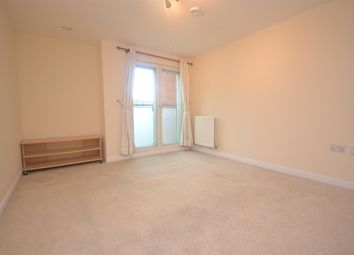 Thumbnail 1 bed flat to rent in Malcolm Place, Reading, Berkshire