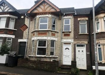 3 bed property to rent in High Town Road, Luton LU2