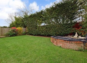 Peel Place, Ilford, Essex IG5. 4 bed detached house
