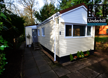 2 bed mobile/park home for sale in Brookside, Pathfinder Village, Exeter EX6