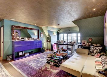 Thumbnail 2 bed flat for sale in Walton House, Chelsea, London