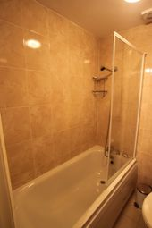 Thumbnail Room to rent in Kings Cross Road, London-Camden Towm