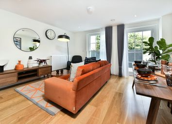 Thumbnail 3 bed flat to rent in Dalston Lane, London