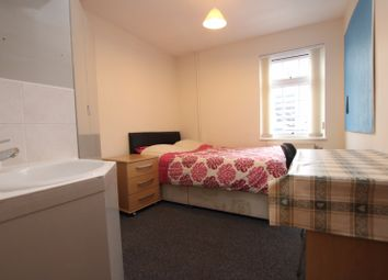 Thumbnail Room to rent in Crossland Road, Reading