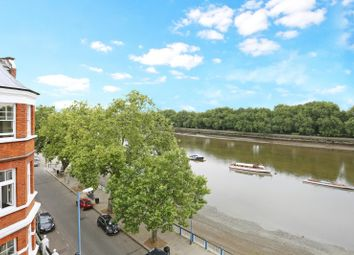 Thumbnail 3 bed flat for sale in Embankment, London