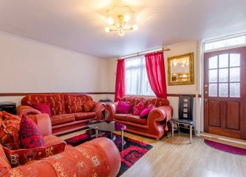 Thumbnail 3 bed flat for sale in Manchester Road, Isle Of Dogs, London