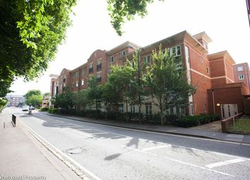 Thumbnail 2 bed flat to rent in Grenfell Road, Maidenhead, Berkshire