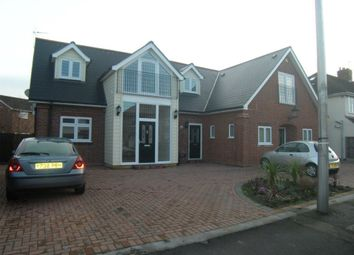 Thumbnail 1 bed flat to rent in Carnforth Gardens, Hornchurch