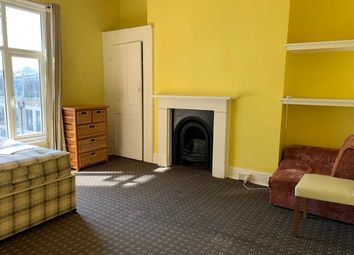 Room to rent in Chiswick High Road, London W4