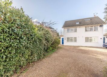 Thumbnail 2 bed flat to rent in The Avenue, Datchet, Slough