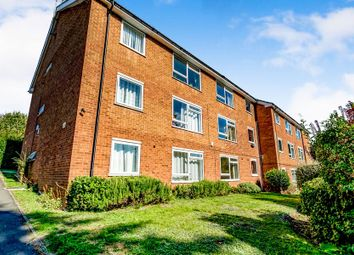 Thumbnail 2 bed property to rent in Shrubbery Road, High Wycombe
