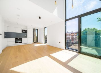 Finchley Road, Hampstead, London NW3. 3 bed flat