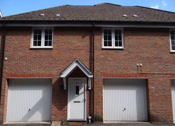 Thumbnail Flat to rent in Brudenell Close, Amersham, Amersham