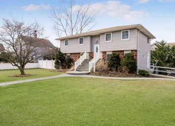 Thumbnail 4 bed property for sale in West Islip, Long Island, 11795, United States Of America