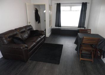 Thumbnail 1 bed flat to rent in Fieldway Avenue, Rodley, Leeds