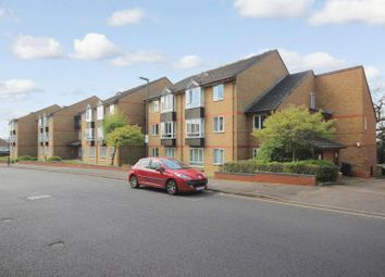 Thumbnail 1 bed flat for sale in Oak Lodge, Sutton