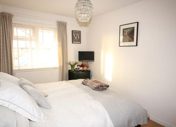Thumbnail Room to rent in Benjamin Apartments, Rotherhithe Street, Canada Water, London