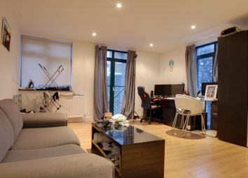 Thumbnail 2 bed flat to rent in Buckhurst Street, Bethnal Green