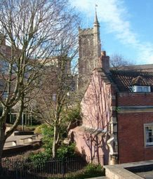 Thumbnail 6 bed flat to rent in Lower Church Lane, Kingsdown, Bristol