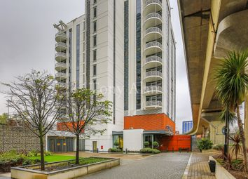 Thumbnail Flat for sale in Switch House, 4 Blackwall Way, Canary Wharf