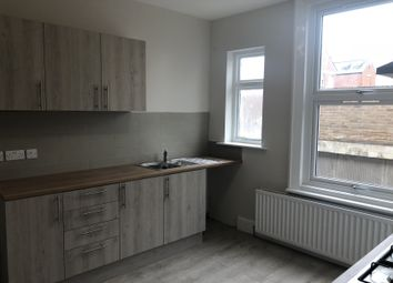 4 bed flat to rent in Glossop Road, Sheffield S10