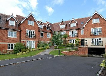 Thumbnail 2 bed flat to rent in Upcross House, Upcross Gardens, Reading