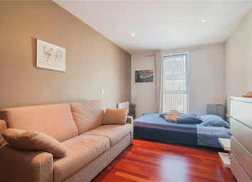 Thumbnail 2 bed flat to rent in Northchurch Road, London