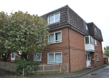 Thumbnail 2 bedroom flat to rent in Bond Road, Tolworth, Surbiton