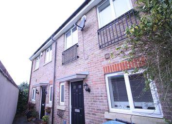 Thumbnail 3 bed terraced house to rent in Summerleas Close, Hemel Hempstead Industrial Estate, Hemel Hempstead
