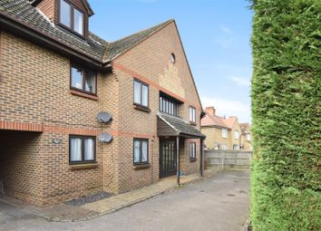1 bed flat for sale in Farm Road, Esher KT10