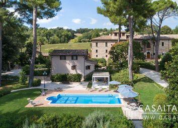 Thumbnail 17 bed villa for sale in Piazza Del Popolo, 75, 62027 San Severino Marche MC, Italy