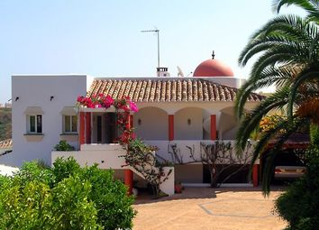 Thumbnail 9 bed villa for sale in Calahonda, Malaga, Spain