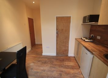 Thumbnail 1 bed flat to rent in Beckford Road, Croydon