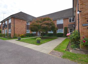 Westfield Park, Hatch End, Pinner HA5. 2 bed flat for sale