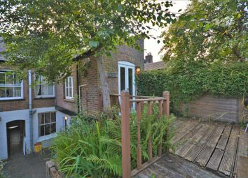 Waterside, Chesham HP5. 3 bed cottage