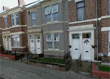 Thumbnail 3 bedroom flat to rent in Brinkburn Avenue, Bensham, Gateshead, Tyne And Wear