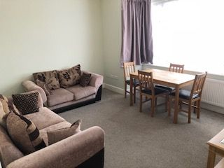 4 bed terraced house to rent in Hanworth Road, Hounslow TW4