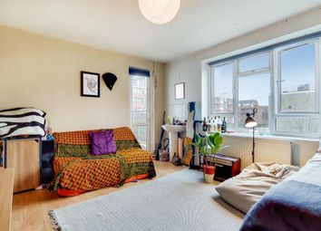 Thumbnail 4 bed flat for sale in Malcolm House, Hoxton