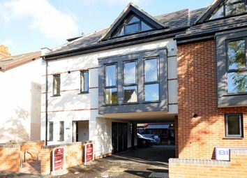 Thumbnail 1 bed flat to rent in Stephen Road, Headington, Oxford