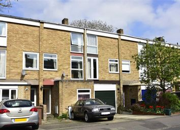 Thumbnail 3 bedroom town house for sale in Harefields, Oxford