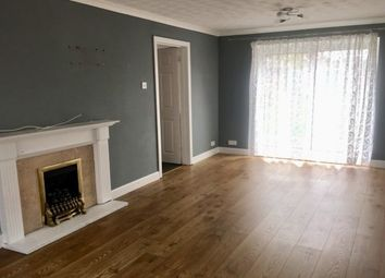3 bed property to rent in Fieldside, Bedford MK41
