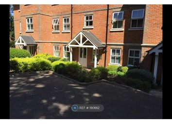 Thumbnail 2 bedroom flat to rent in Caldicott Court, Hitchin