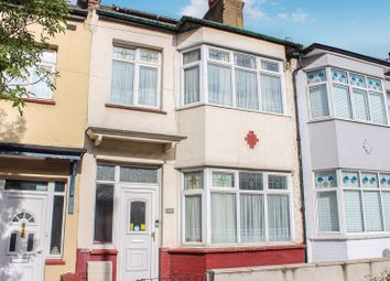 Hainault Avenue, Westcliff-On-Sea SS0. 3 bed terraced house