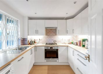 2 bed maisonette to rent in Orchard Close, London W10