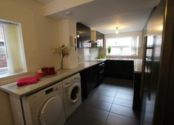 Thumbnail 5 bed flat to rent in Great Western Street, Rusholme, Manchester