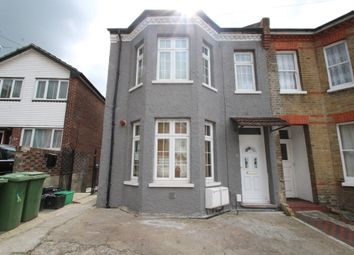 Thumbnail 3 bed flat to rent in Ravensbourne Road, Bromley