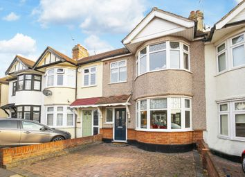 Thumbnail 4 bed terraced house for sale in Hawthorn Road, Buckhurst Hill