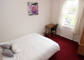 Thumbnail Room to rent in Essex Street - Room 3, Reading, Berkshire