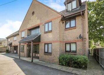1 bed flat to rent in Old Farm Court, Farm Road, Esher KT10